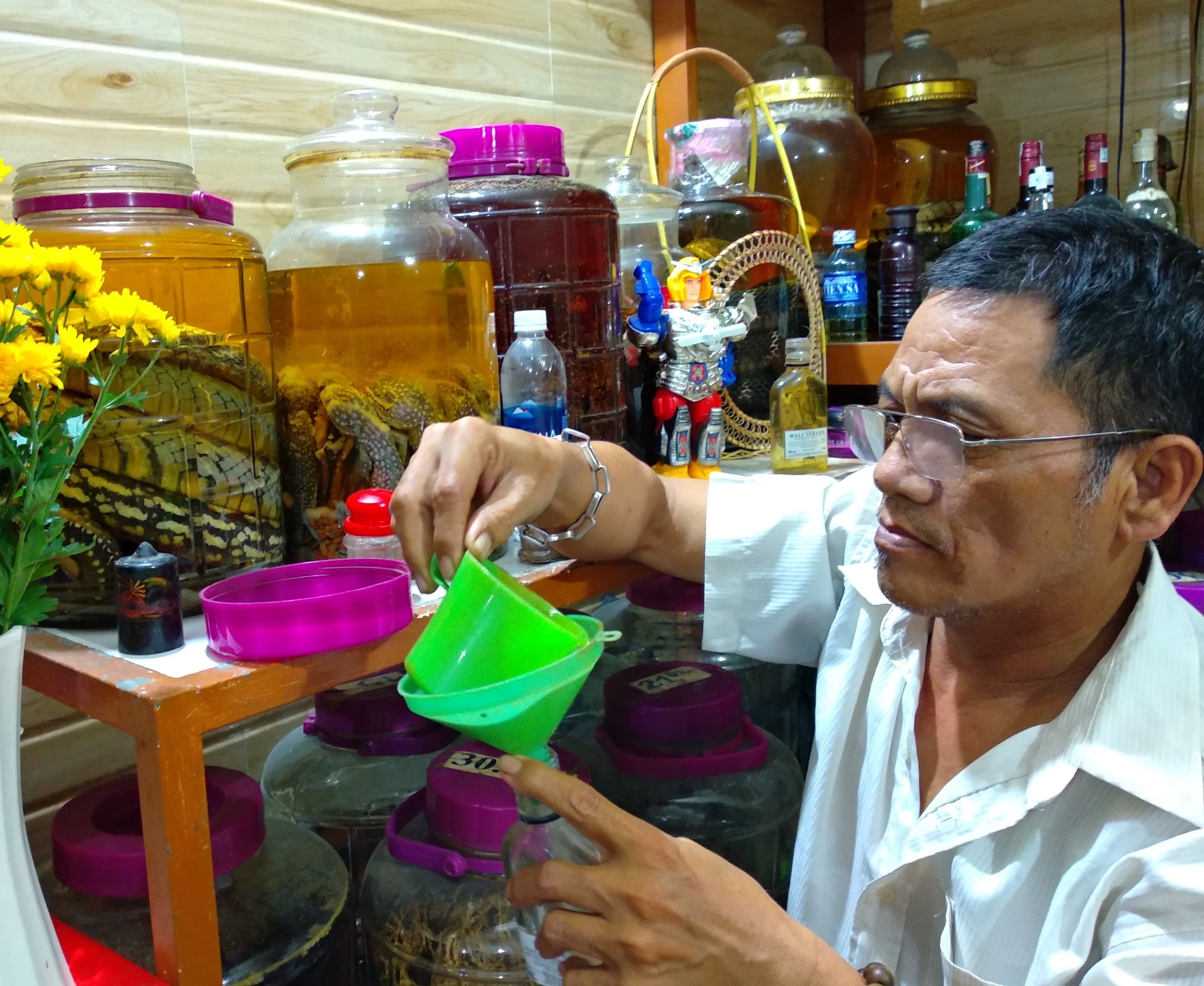 da nang food tour, liquid immersion
