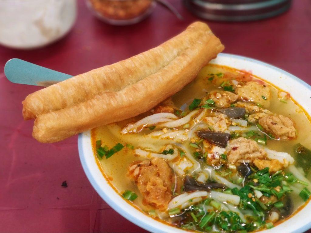 da nang food tour, banh canh da nang